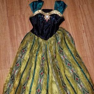 Anna costume size 7/8